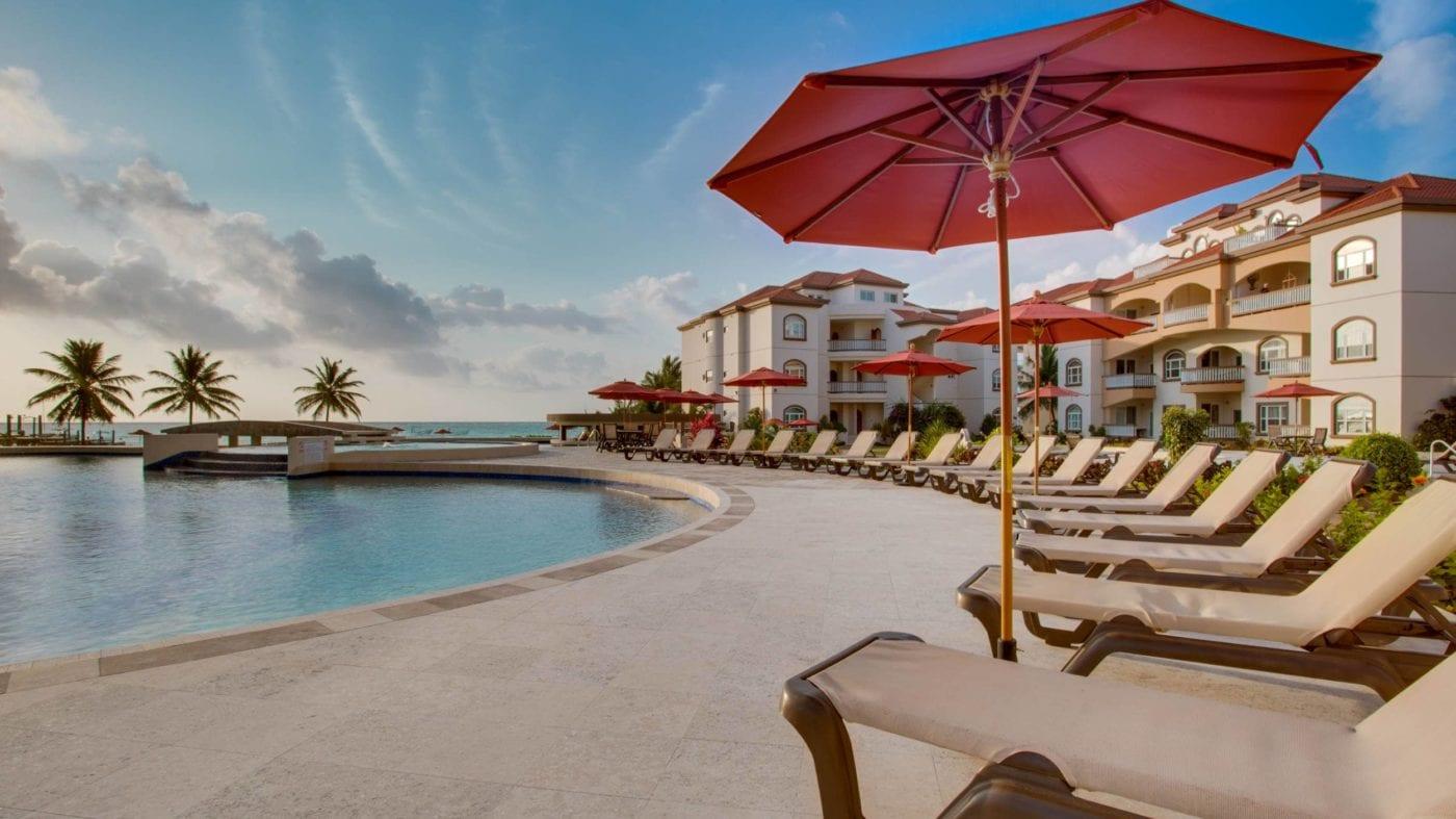 grand-caribe-belize-pool