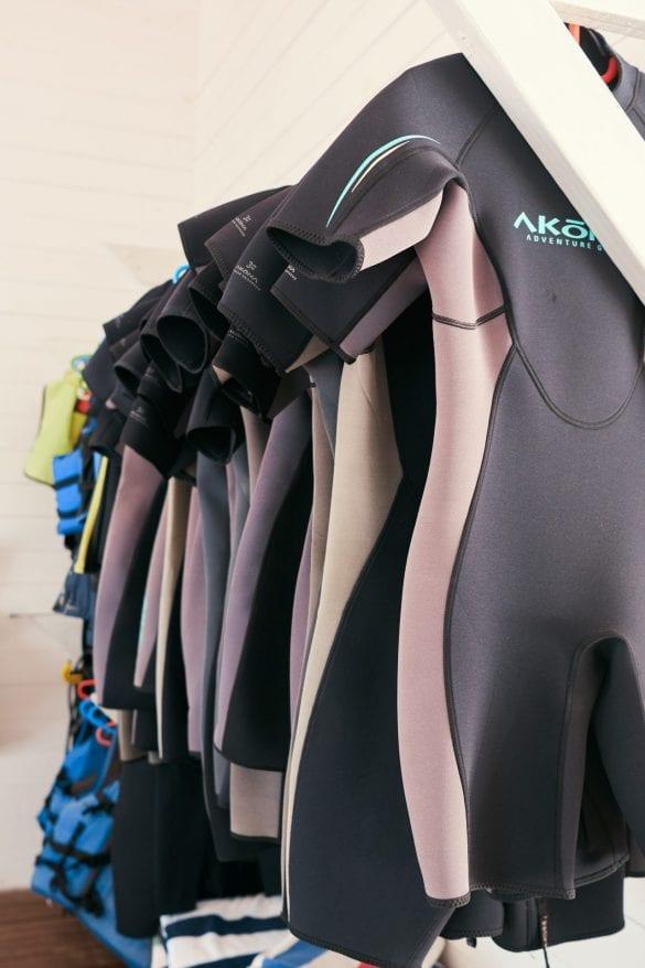 scuba wet suit diving ray caye