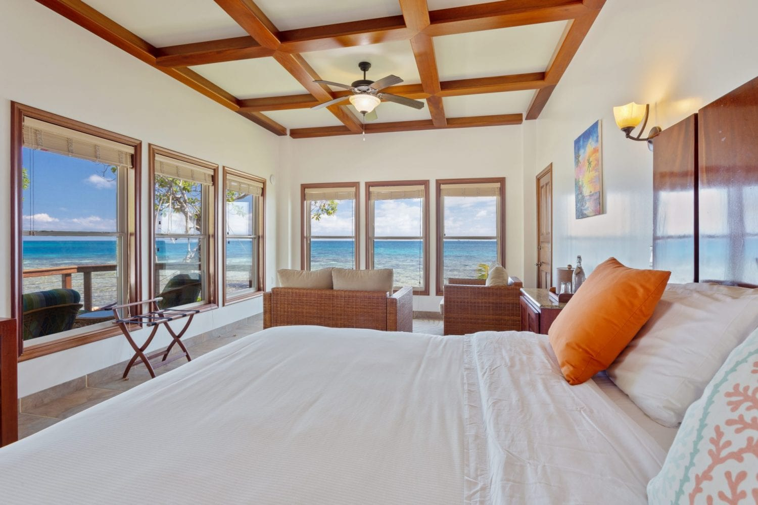 cabana ocean view Ray Caye belize bed