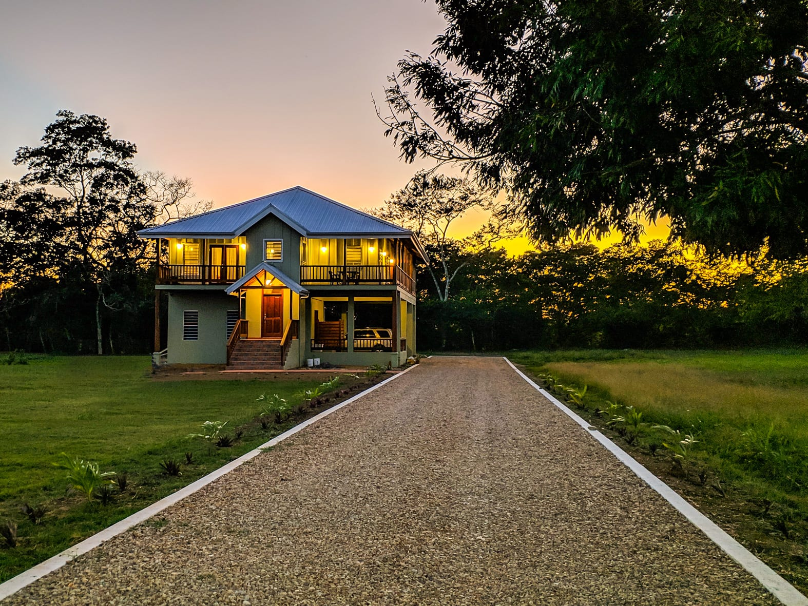 Carmelita gardens retire belize sunset
