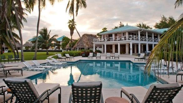 Victoria house San Pedro M-Beach Front Pool(Dusk)