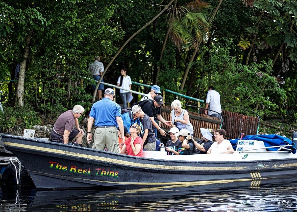 lamanai boat tour new river lagoon