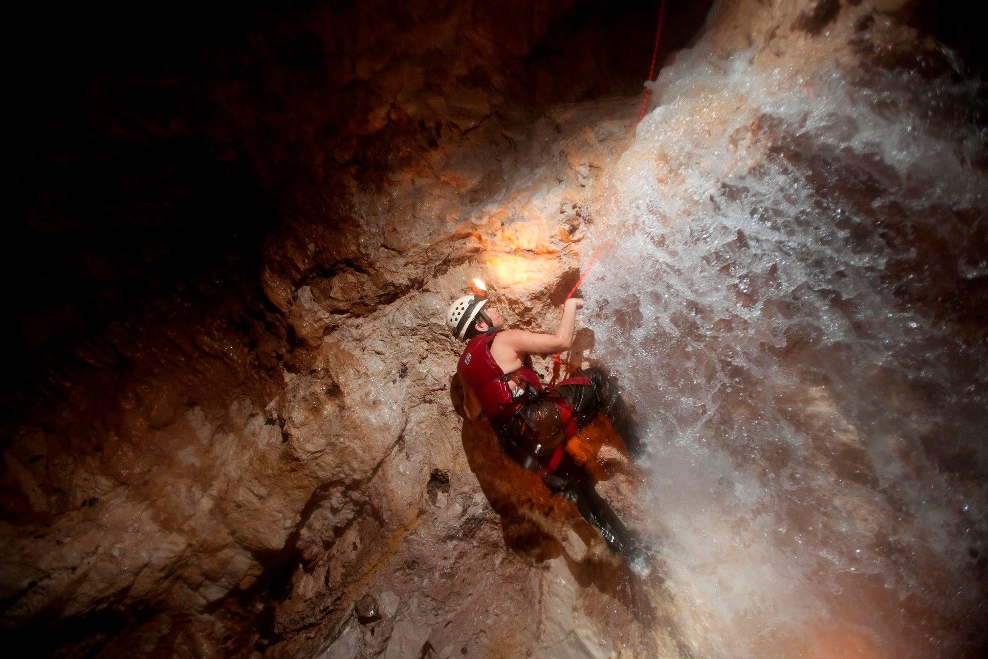 adrenaline cave cayo san ignacio resort hotel