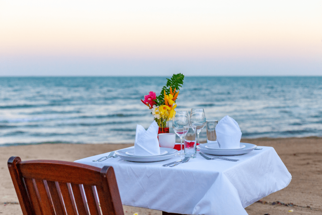 beach dining belize placencia sirenian bay