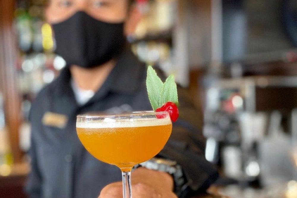 cocktail rain restaurant hotel bar belize
