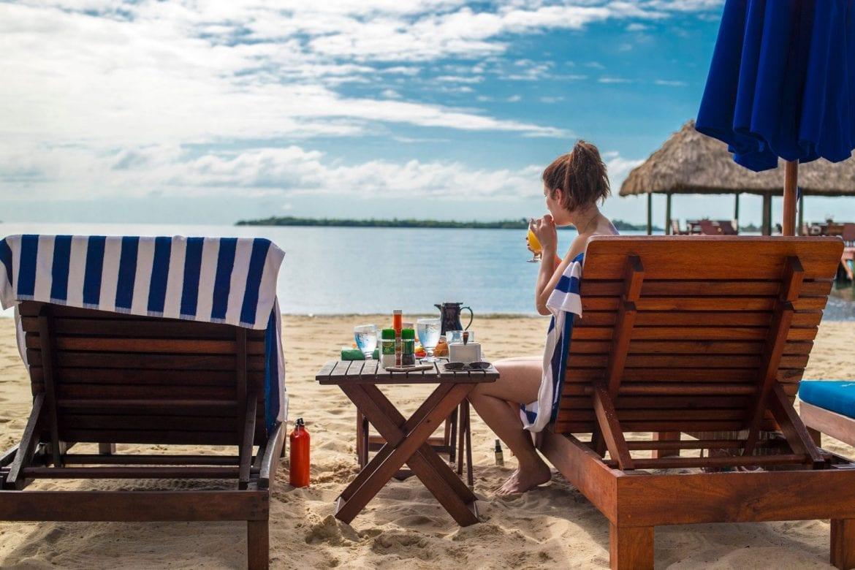 chabil mar couple beach
