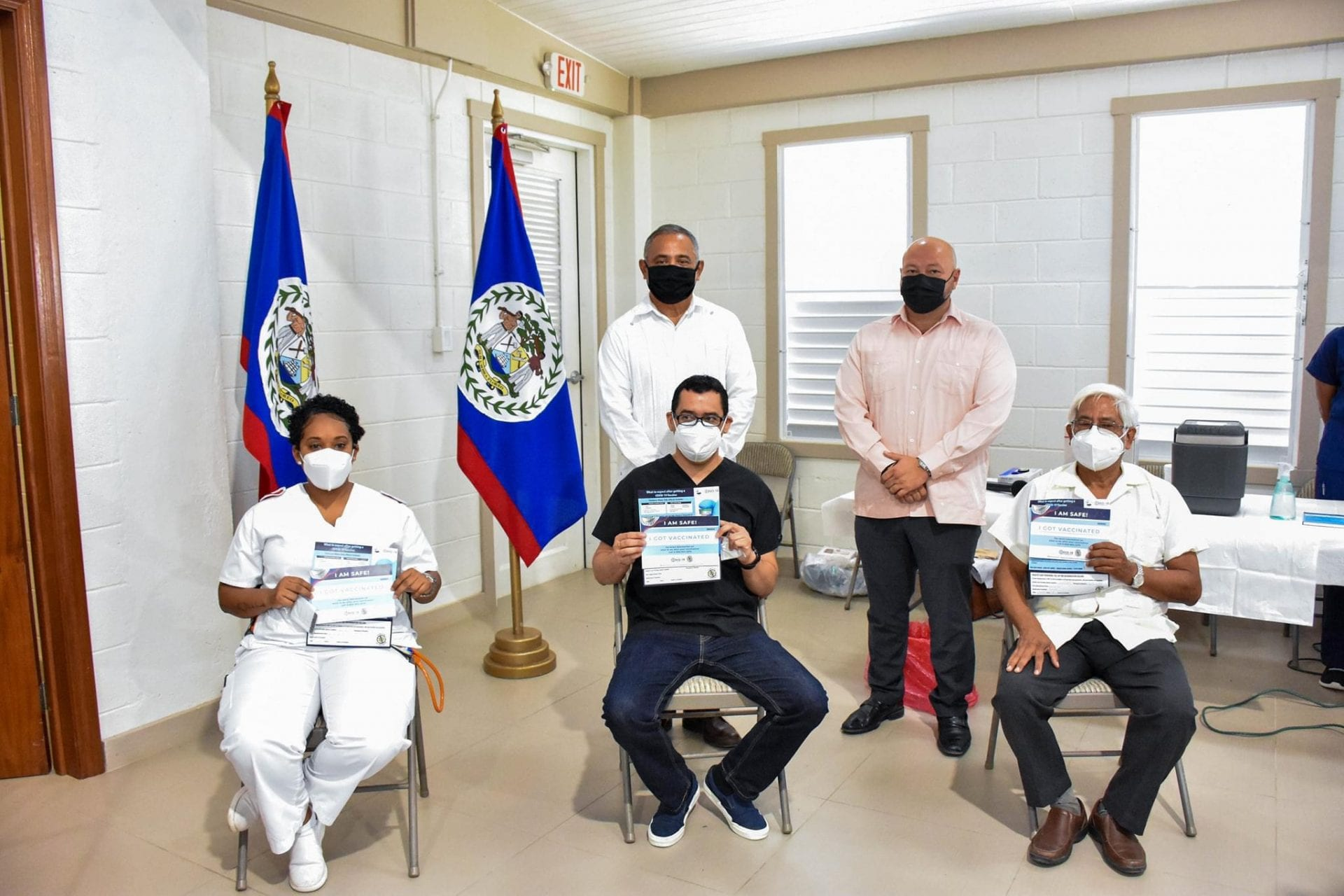 Belize first vaccinates healthcare MOHW