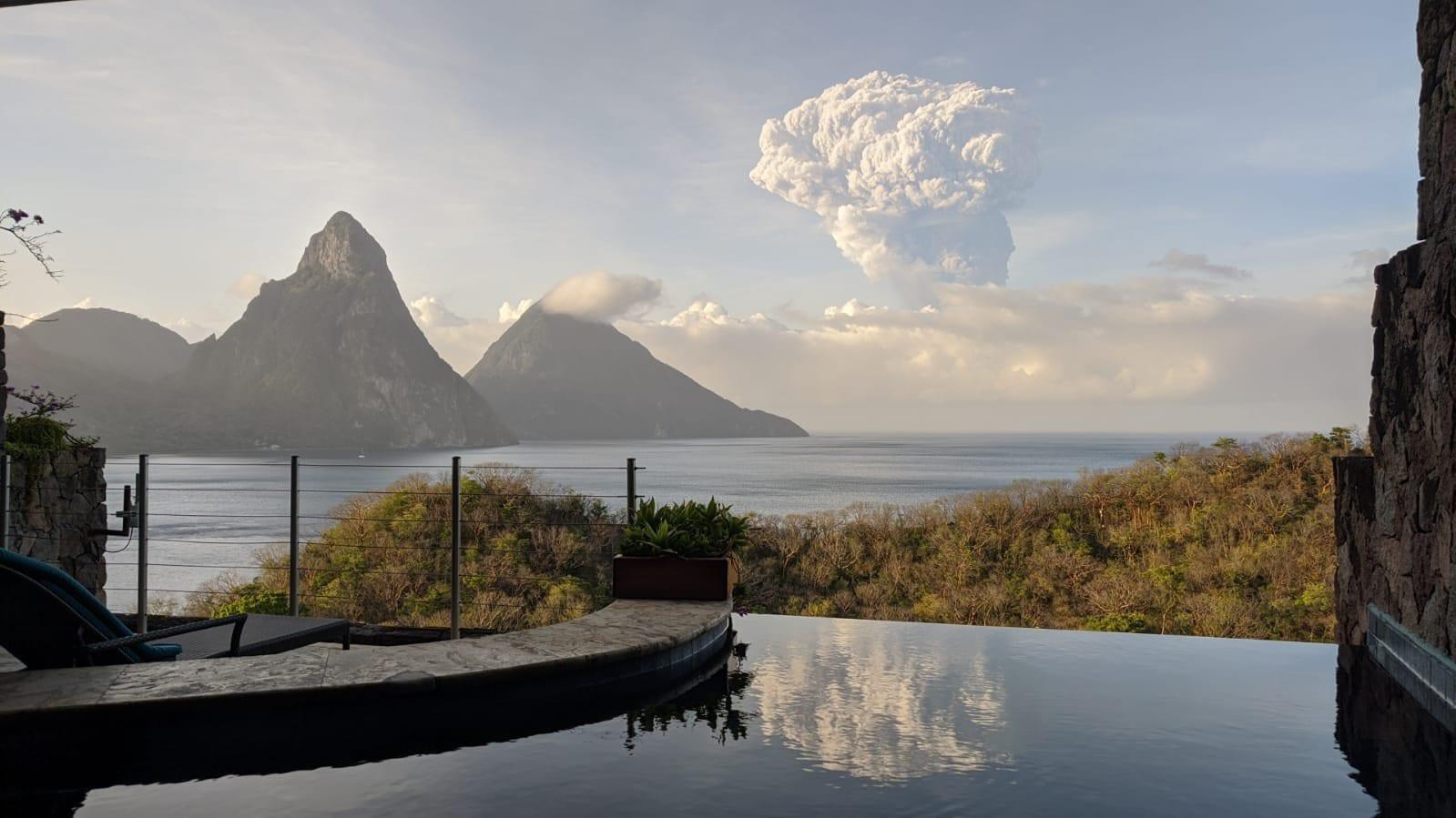 volcano st lucia vincent la Soufrière 2021