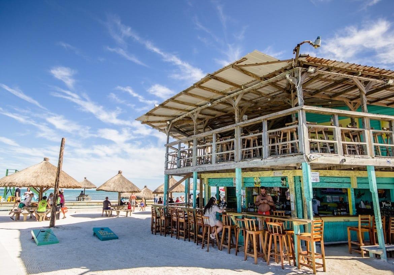 Belize-Caye-Caulker-globe guide CA split