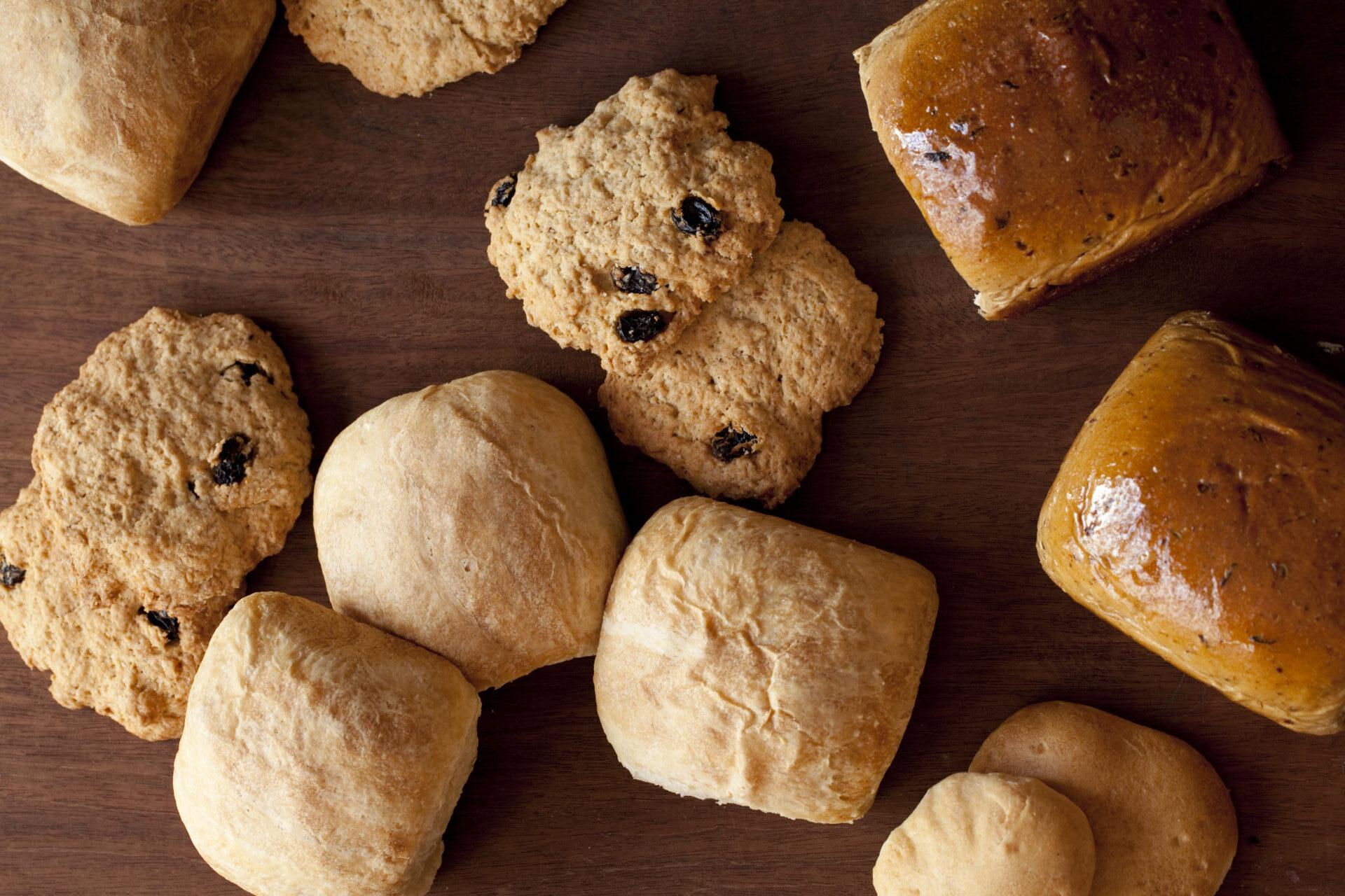 flavors-of-belize-bun-bread-creole-powder-johnny-cake