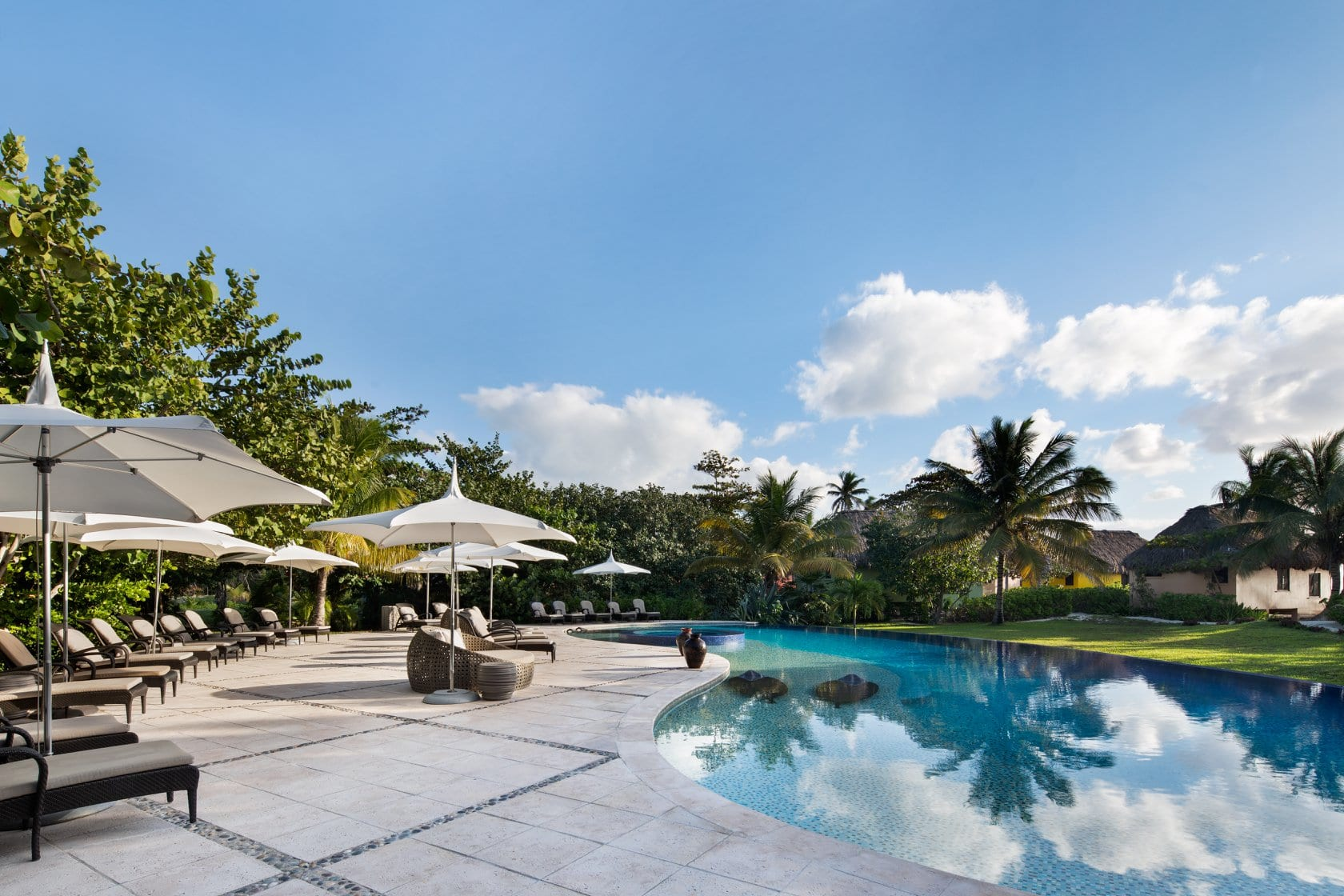 matachica-resort-belize-san-pedro-pool
