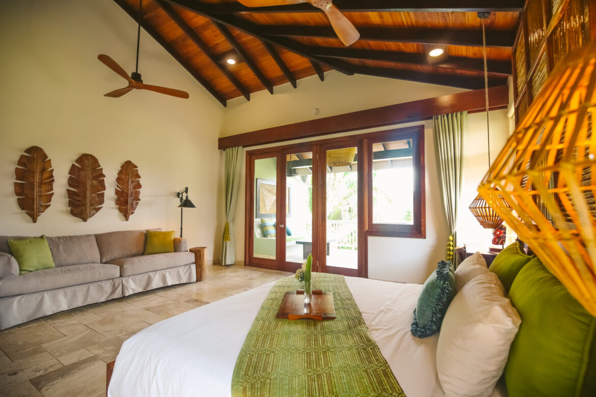 sleeping-giant-lodge-belize-collection-bed
