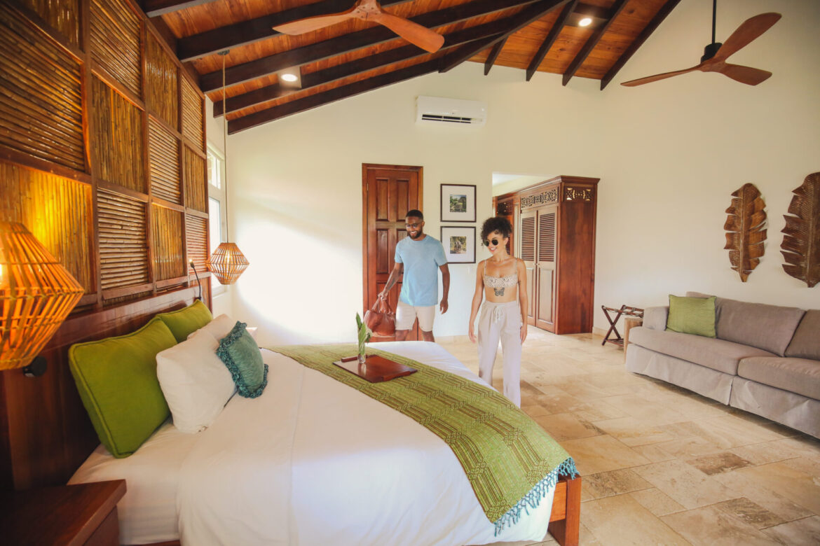 sleeping-giant-lodge-belize-collection-bed-couple