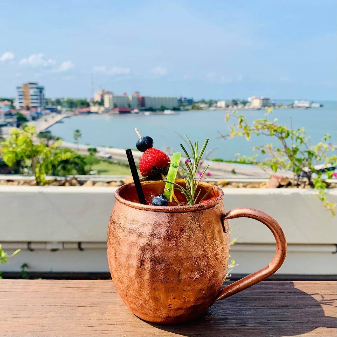 vino-tinto-cocktail-rooftop-belize-city