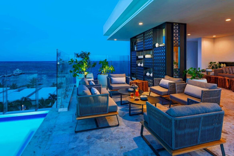 alaia-rooftop-bar-night