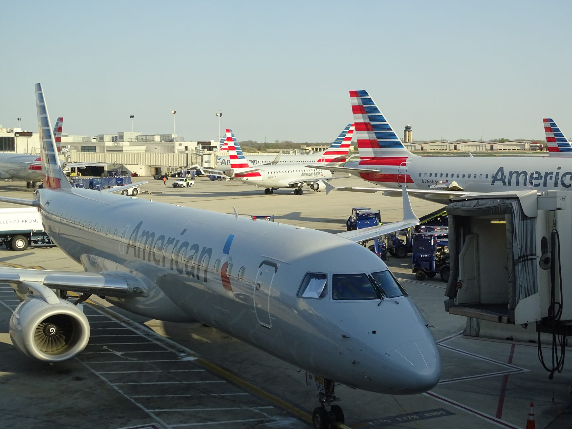 american airlines tarmac airport airplane